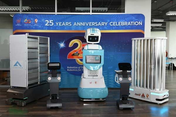 """เอกชนผู้สนับสนุนโครงการ """"มดบริรักษ์"""" เยี่ยมชมการดำเนินงานพัฒนาชุดระบบหุ่นยนต์ มอบ ฟีโบ้ มจธ. ส่งต่อช่วย รพ. 9 แห่ง ทั่วประเทศ"""